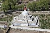Stupa at Shey Palace 02.jpg