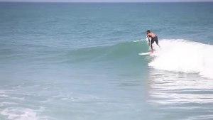 File:Surfing en Los Caracas Marzo 2015.webm