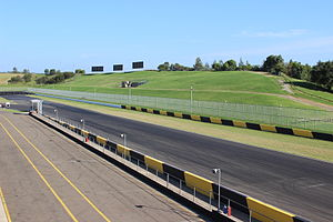 Sydney Motorsport Park - The turn one spectator hill.