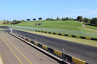 Sydney Motorsport Park - The turn one spectator hill.