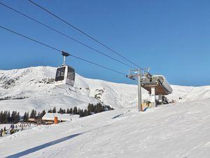 Télécabine Hauteluce (hiver 2015).JPG