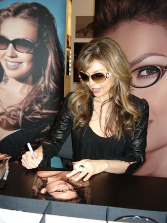 Thalía - Thalía in a Visión Expo event in 2007, presenting her eyewear collections.