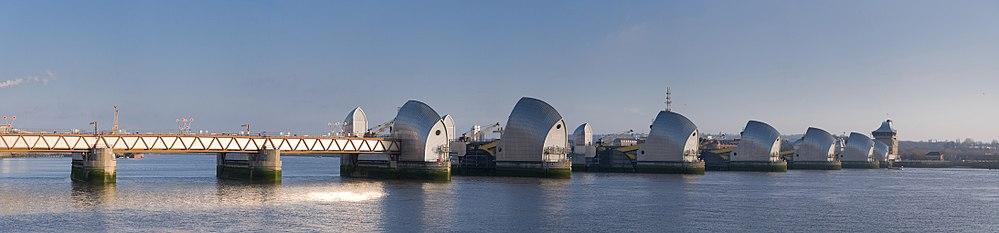 Vy från den norra sidan av Thames.