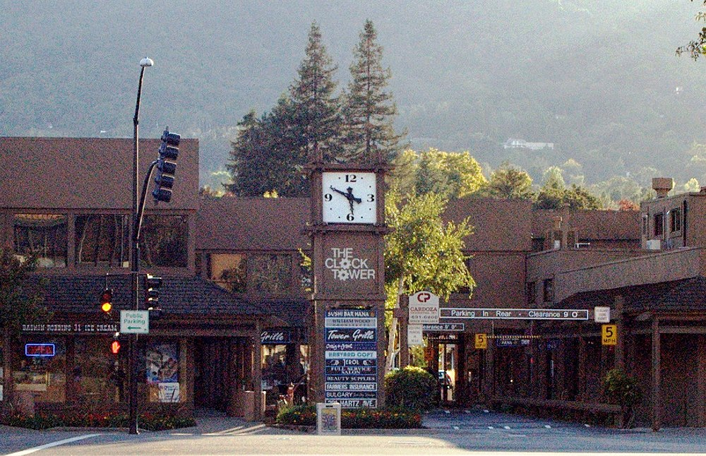 The population density of Danville in California is 925.69 people per square kilometer (2397.18 / sq mi)