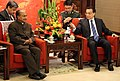 The Defence Minister, Shri A. K. Antony in a discussion with the Chinese Premier, Li Keqiang, in Beijing on July 05, 2013.jpg