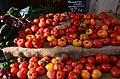 Tomates anciennes au marché de Baudinard.jpg