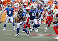 Holt makes a reception at the 2008 Pro Bowl. 30b668477