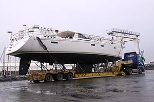 Transport routier d' un voilier de plaisance et de ses mâts (4).JPG