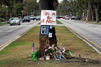 Michael Hastings (journalist) - Image: Tree at crash site of journalist Michael Hastings