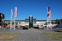 Trg i spomenik u Domaljevcu.jpg