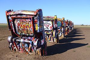 USA_Texas_Amarillo_Cadillac_Ranch_Sideview