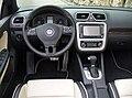 VW Eos 2.0 TDI Individual Mitternachtsblau Interieur.JPG