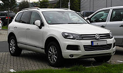 VW Touareg Exclusive V6 TDI BlueMotion Technology (II) – Frontansicht, 30. August 2011, Düsseldorf.jpg