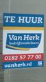 Van Herk Bedrijfsmakelaars 'TE HUUR' poster, Gouda (2019) 01.png