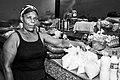 Vendeuse de marché de Mindelo, Cap Vert.jpg