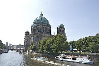 Unter den Linden - Image: View from the bridge, Berlin, Germany (6048949834)