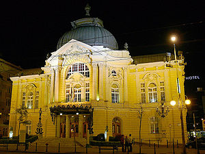 Comedy Theatre of Budapest - Image: Vigszinhaz by night