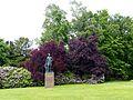 Villa Hügel Park Denkmal.jpg