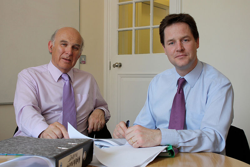 پرونده:Vince Cable and Nick Clegg by the budget.jpg