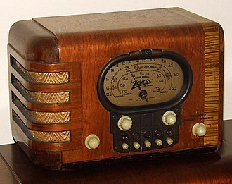 Waterfall furniture - Image: Vintage Zenith Wood Table Radio With Push Buttons (aka Racktrack Radio), Model 5S319, 5 Tubes, Made In USA, Circa 1939 (14785282877)