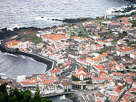 Vista parcial das Velas, ilha de São Jorge, Açores, Portugal.jpg