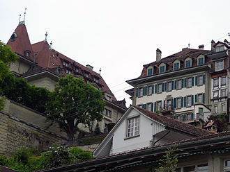Herrengasse 23 (Bern) - The southern façade of Herrengasse 23, seen from the level of the river Aar