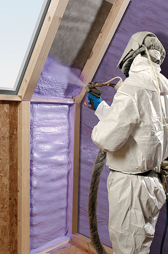 Spray foam - Walltite insulation foam being sprayed