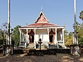Wat Kampong Tralach Leu Vihara 12.jpg
