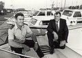 Watersportvereniging IJmond aan Zijkanaal C, met links havenmeester Huub Trenken. Aangekocht in 1988 van United Photos de Boer bv. - Negatiefnummer 28194 c 28. - Gepubliceerd in het Haarlems Dagblad v.JPG