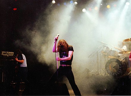 Whitesnake on stage at the Hammersmith Odeon, London, 1981 Whitesnake Hammersmith Odeon 1981.jpg