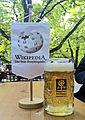 Wikipedia-Wimpel im Augustiner-Keller.JPG