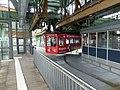 Wuppertal Samuel fährt Schwebebahn 002.JPG