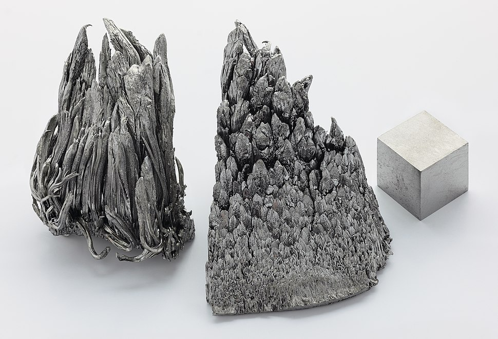 Yttrium sublimed dendritic and 1cm3 cube.jpg