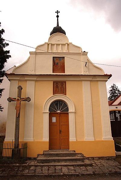 kaple sv. Petra a Pavla v Zechovicích (na návsi)