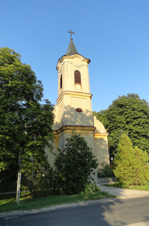 Ácsteszér - Szent Márton római katolikus templom.jpg