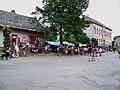 Červený Újezd (BN), smíšené zboží a škola.jpg