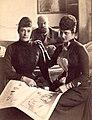 Императрица Мария Федоровна со своей сестрой Александрой.jpg