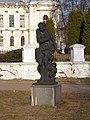 Петровско-Разумовское. Статуя Зима.JPG