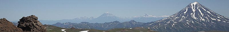 Южно-Камчатский баннер Панорама домашних вулканов.jpg