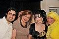 عبدالعزيز جوهر حيات مع مجموعة من الاعلاميات و الفنانات الخليجيات.jpg