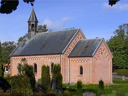 Sådan kommer du til Brandstrup Kirke med offentlig transport – Om stedet