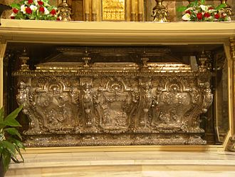 Bernat Calbó - Silver urn containing the relics of Bernat Calbó in the Cathedral of Vich