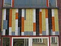 1170 Neuwaldeggerstraße 3-5 Stg 1 - Mosaik Ornamentale Darstellung I von Fritz Riedl 1967 IMG 5137.jpg