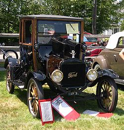 1919 Ford Model T Highboy Coupe 2.jpg