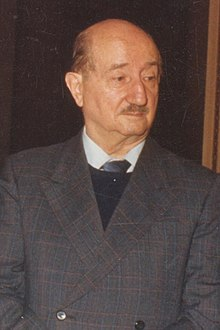 1985 Roque Esteban Scarpa (30336969153) (cropped).jpg