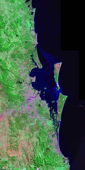 South-East Queensland from the Landsat 7 satellite 200km City.jpg