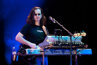Geddy Lee - Geddy Lee playing his Roland Fantom X7 during the 2010–2011 Time Machine Tour
