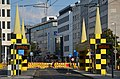 2014-08-27 Busstops von Alessandro Mendini, Kurt-Schumacher-Straße Hannover, Gleisbau D-Linie, Stadtbahn 10 ab Hauptbahnhof über Tunnelstrecke, Linie 17 zwischen Glocksee und Wallensteinstraße.jpg