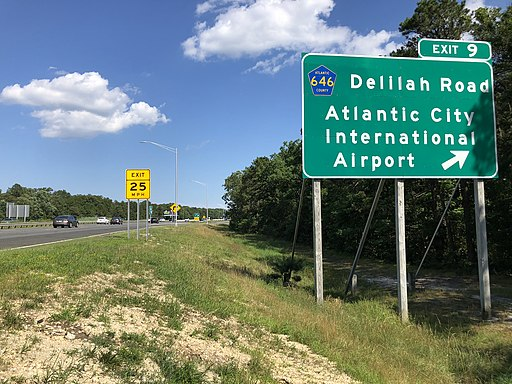2020-07-12 16 02 19 View east along New Jersey State Route 446 (Atlantic City Expressway) at Exit 9 (Atlantic County Route 646-Delilah Road, Atlantic City International Airport) in Egg Harbor Township, Atlantic County, New Jersey
