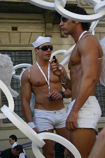 sa rigole bien chez metro 360px-3316_-_Gay_Pride_di_Milano%2C_2007_-_Foto_Giovanni_Dall%27Orto%2C_23-Jun-2007